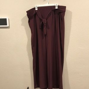 Slightly used burgundy torrid dress pants